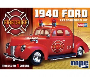Model plastikowy - Samochód 1940 Ford Fire Chief Super SNAP - MPC